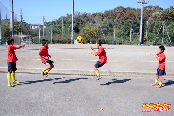 サッカー大縄跳び