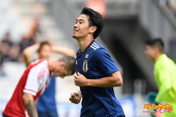 INNSBRUCK, AUSTRIA - JUNE 12:  Shinji Kagawa of Japan reacts after missing a chance during the international friendly match between Japan and Paraguay at Tivoli Stadion on June 12, 2018 in Innsbruck, Austria.  (Photo by Masahiro Ura/Getty Images)
