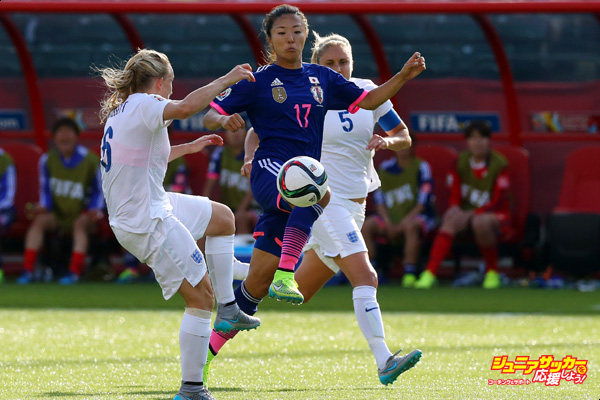 EDMONTON, AB - JULY 01: Yuki Ogimi of Japan battles Katie Chapman and Steph Houghton of England during the FIFA Women's World Cup Semi Final match between Japan and England at the Commonwealth Stadium on July 1, 2015 in Edmonton, Canada.  (Photo by Ronald Martinez/Getty Images)