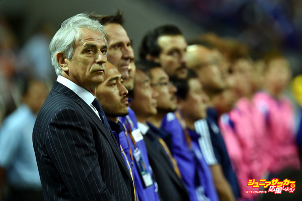 SAITAMA, JAPAN - JUNE 16:  Vahid Halilhodzic, manager of Japan looks on during the 2018 FIFA World Cup Asian Qualifier second round match between Japan and Singapore at Saitama Stadium on June 16, 2015 in Saitama, Japan.  (Photo by Atsushi Tomura/Getty Images)