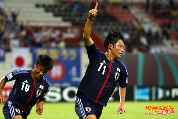 SHARJAH, UNITED ARAB EMIRATES - OCTOBER 24:  Ryoma Watanabe of Japan celebrates his team's second goal with team mate Takuma Mizutani during the FIFA U-17 World Cup UAE 2013 Group D match between Japan and Tunisia at Sharjah Stadium on October 24, 2013 in Sharjah, United Arab Emirates.  (Photo by Alex Grimm - FIFA/FIFA via Getty Images)