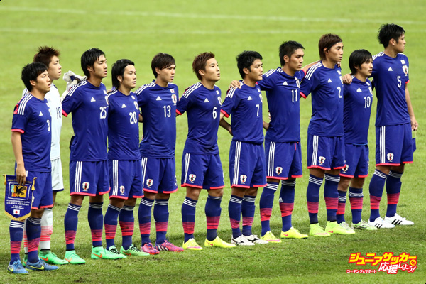 SHAH ALAM, MALAYSIA - MARCH 29: Japan poses prior to kick off during the AFC U23 Championship qualifier Group I match between Vietnam and Japan at Shah Alam Stadium on March 29, 2015 in Shah Alam, Malaysia.  (Photo by Stanley Chou/Getty Images)