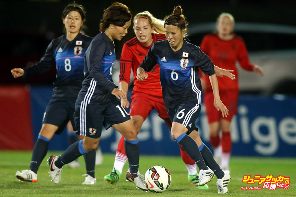 LA MANGA, SPAIN - MARCH 06:  Nina Ehegoetz (C) of Germany and Rika Masuya (2L) and Sonoko Chiba (#6) of Japan fight for the ball during the women's U23 international friendly match between WU20 Germany and WU23 Japan on March 6, 2016 in La Manga, Spain.