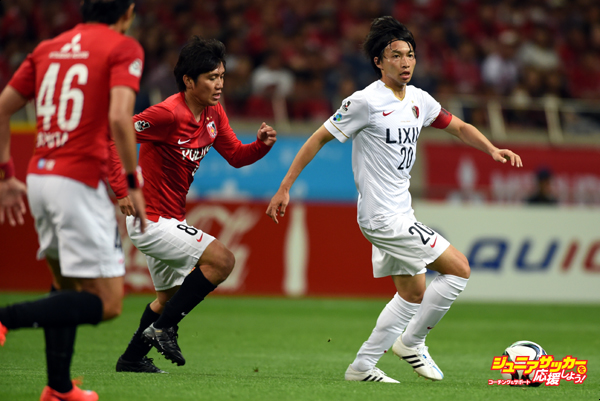 SAITAMA, JAPAN - MAY 23:  (EDITORIAL USE ONLY) Gaku Shibasaki of Kashima Antlers in action during the J.League match between Urawa Red Diamonds and Kashima Antleres at Saitama Stadium on May 23, 2015 in Saitama, Japan.  (Photo by Etsuo Hara/Getty Images)