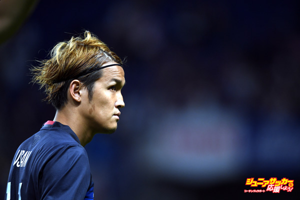 SUITA, JAPAN - JUNE 07:  Takashi Usami #11 of Japan looks on during the international friendly match between Japan and Bosnia And Herzegovina at the Suita City Football Stadium on June 7, 2016 in Suita, Osaka, Japan.  (Photo by Masashi Hara/Getty Images)