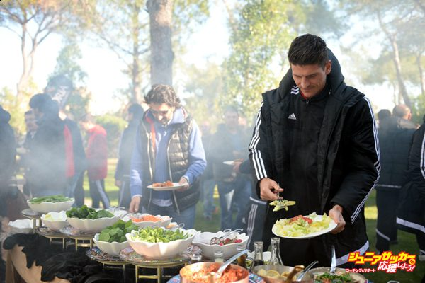 ANTALYA, TURKEY - JANUARY 8: Mario Gomez of Besiktas attends the team's barbecue party for journalists in Antalya, Turkey on January 8, 2016. (Photo by Arif Hudaverdi Yaman/Anadolu Agency/Getty Images)