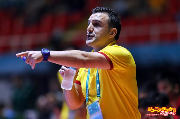CALI, COLOMBIA - SEPTEMBER 11:  Bruno Garcia the Spanish coach of Vietnam looks on during the Group C match between Vietnam and Guatemala during the FIFA Futsal World Cup at the Coliseo el Pueblo Stadium on September 11, 2016 in Cali, Colombia. (Photo by Ian MacNicol - FIFA/FIFA via Getty Images)