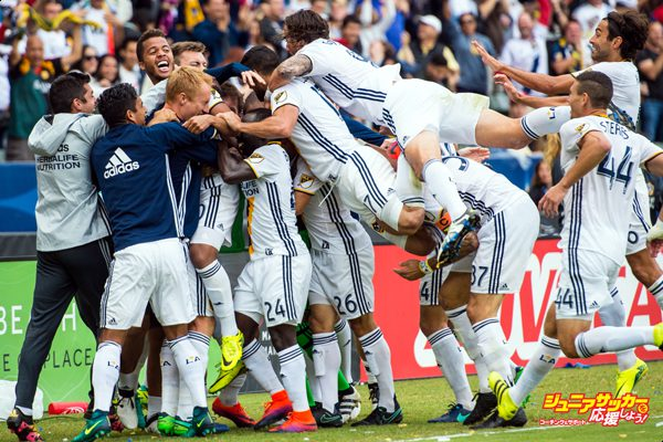 CARSON, CA - OCTOBER 30: Giovani dos Santos #10 of Los Angeles Galaxy celebrates his game winning goal during Los Angeles Galaxy's MLS Playoff Semifinal match against Colorado Rapids at the StubHub Center on October 30, 2016 in Carson, California. The Los Angeles Galaxy won the match 1-0 (Photo by Shaun Clark/Getty Images)