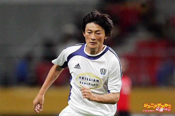 TOYOTA, JAPAN - DECEMBER 10: Teruo Iwamoto of Auckland City FC in action during the FIFA Club World Cup Japan 2006 Quarterfinals between Auckland City FC and Ahly Sporting Club at Toyota Stadium on December 10, 2006 in Toyota, Japan. (Photo by Junko Kimura/Getty Images)
