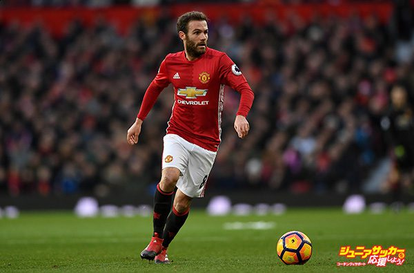 MANCHESTER, ENGLAND - DECEMBER 26:  Juan Mata of Manchester United during the Premier League match between Manchester United and Sunderland at Old Trafford on December 26, 2016 in Manchester, England.  (Photo by Gareth Copley/Getty Images)