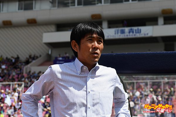 HIROSHIMA, JAPAN - JUNE 04:  Head coach Hajime Moriyasu of Sanfrecce Hiroshima is seen prior to the J.League J1 match between Sanfrecce Hiroshima and Kashima Antlers at Edion Stadium Hiroshima on June 4, 2017 in Hiroshima, Japan.  (Photo by Masashi Hara - JL/Getty Images for DAZN)