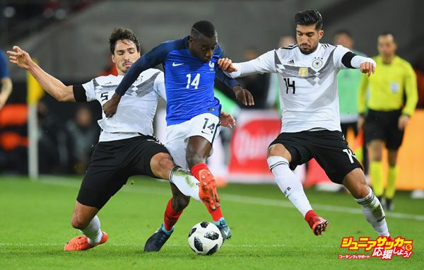 COLOGNE, GERMANY - NOVEMBER 14:  Mats Hummels of Germany and Emre Can of Germany battle for possessiBen Foster of England with Blaise Matuidi of France during the international friendly match between Germany and France at RheinEnergieStadion on November 14, 2017 in Cologne, Germany.  (Photo by Matthias Hangst/Bongarts/Getty Images)