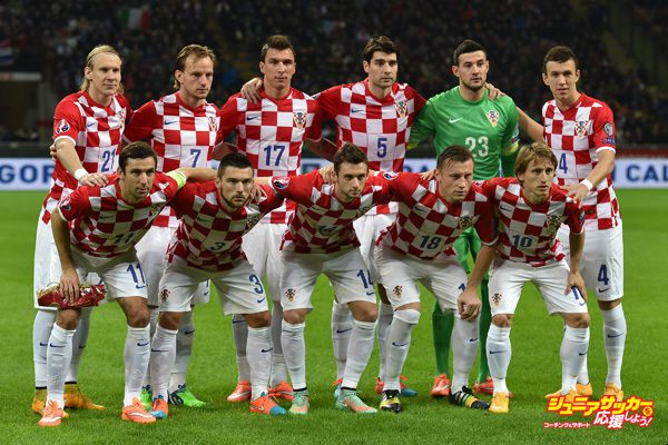 MILAN, ITALY - NOVEMBER 16:  Team of Croatia line up prior to the EURO 2016 Group H Qualifier match between Italy and Croatia at Stadio Giuseppe Meazza on November 16, 2014 in Milan, Italy.  (Photo by Valerio Pennicino/Getty Images)