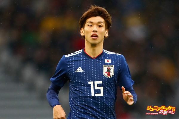 LILLE, FRANCE - NOVEMBER 10:  Yuya Osako of Japan looks on during the international friendly match between Brazil and Japan at Stade Pierre-Mauroy on November 10, 2017 in Lille, France.  (Photo by Clive Rose/Getty Images)