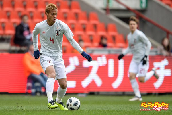 LIEGE, BELGIUM - MARCH 23: Keisuke Honda of Japan during the International friendly match between Japan and Mali at the Stade de Sclessin on March 23, 2018 in Liege Belgium. (Photo by Jörg Schüler/Getty Images)