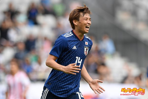 INNSBRUCK, AUSTRIA - JUNE 12:  Takashi Inui of Japan celebrates scoring his side's second goal during the international friendly match between Japan and Paraguay at Tivoli Stadion on June 12, 2018 in Innsbruck, Austria.  (Photo by Masahiro Ura/Getty Images)